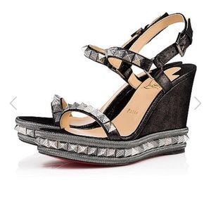 Brand new in box pyraclou louboutin black wedges